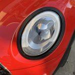 ミニJCW:次はヘッドライトリングをカーボン柄にラッピングする。