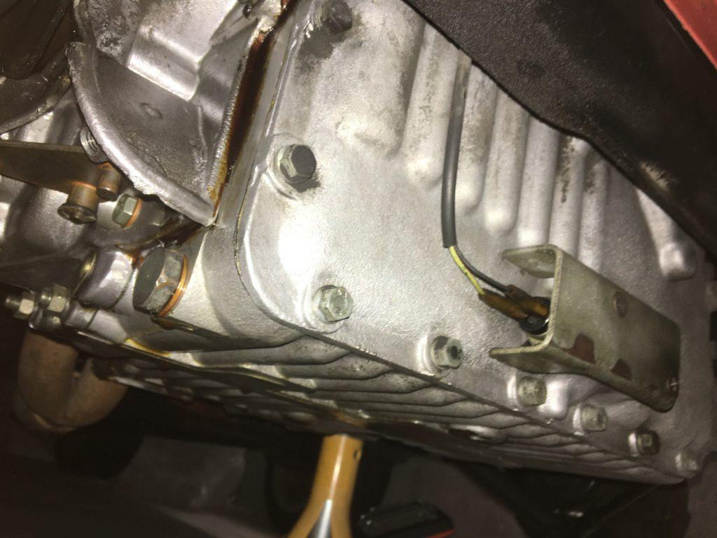 ローバーミニのエンジンオイル漏れ
