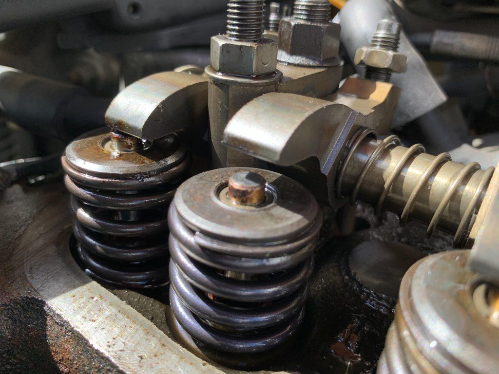 ローバーミニのタペットクリアランス調整